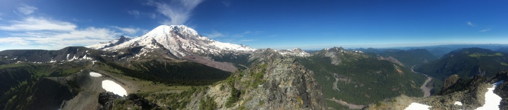 Panoramic view of Mount Rainier from the summit of Skyscraper Mtn.